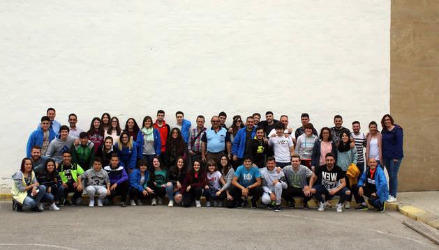 Foto de los integrantes de la expedición murchantina posaron juntos durante la celebración del Festival Europeo de Bandas de Música de Condom (Francia).