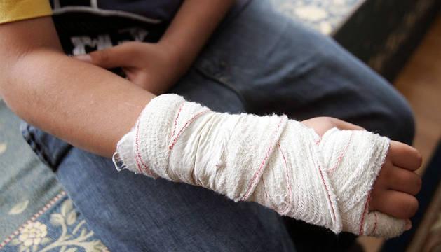 Un niño víctima del acoso escolar en Navarra.