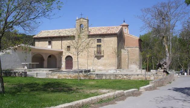 Foto de la ermita de Cuevas ha recibido el respaldo mayoritario de los vianeses, seguida por las mejoras en el patio del Ricardo Campano.
