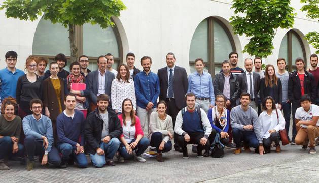 foto de Estudiantes y profesores del Máster en Ingeniería Industrial y profesionales de Siemens Gamesa.