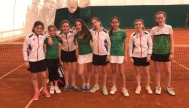 Club Tenis Pamplona y Oberena jugaron la final femenina.
