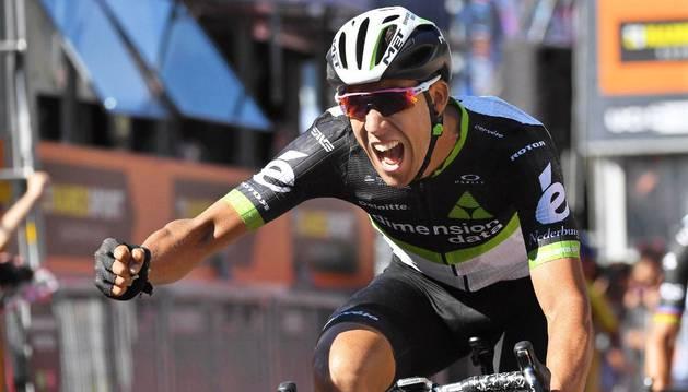 Fraile celebra su victoria en la undécima etapa del Giro