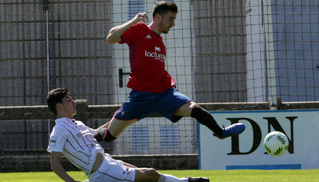 Kike Barja, en un partido con Osasuna Promesas.