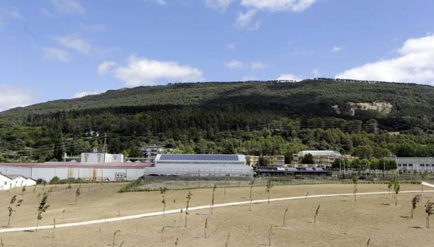 La silueta apaisada del monte, visto desde Berriozar.