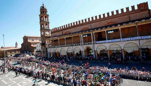 El Giro, a su paso por Faenza.