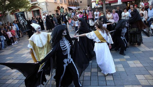 Tudela luce su pasado barroco en un desfile