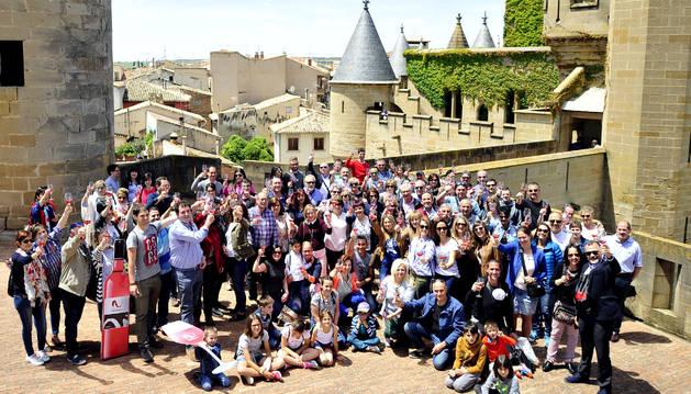 Un centenar de personas brinda en el Palacio Real de Olite por el vino con Denominación de Origen.