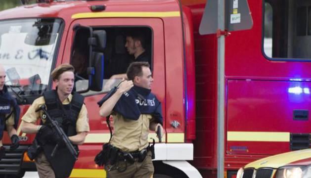 Foto de bomberos en Múnich.