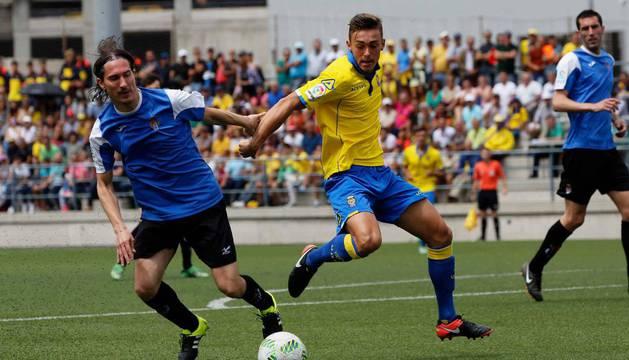 El capitán Iván García fue el autor del gol de la Peña Sport en Las Palmas que mantiene vivas las esperazas de los de Tafalla.