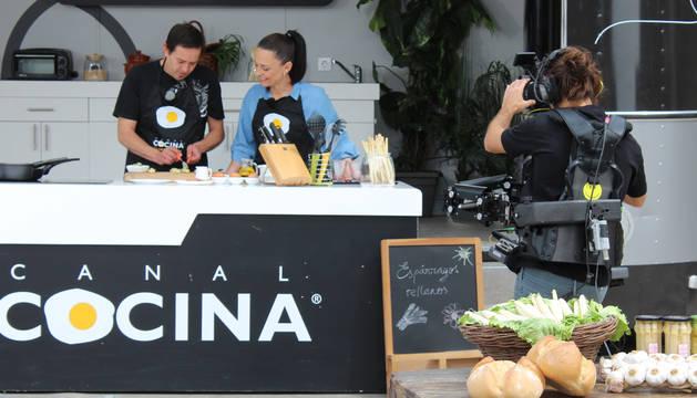 Arturo Mauleón y Begoña Tormo durante la grabación del programa.