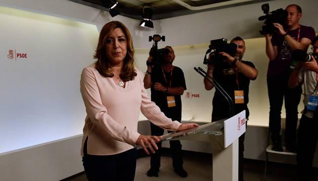 Susana Díaz habla en rueda de prensa después de conocer el resultado de las primarias del PSOE.