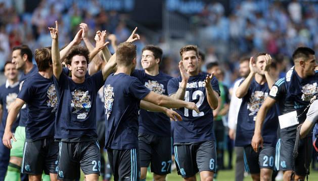 Los futbolistas de la Real Sociedad celebran la clasificación para la Europa League