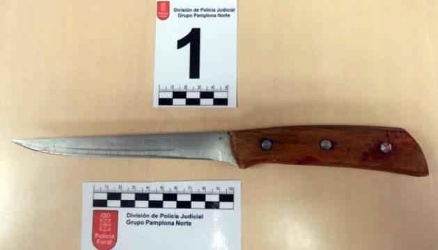 Cuchillo que portaba uno de los detenidos en el momento de la detención.