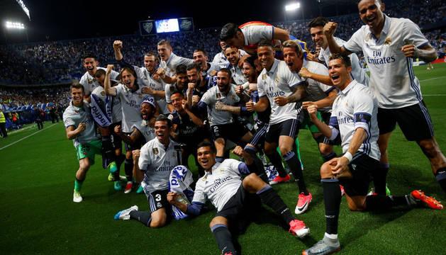 Los futbolistas del Real Madrid celebran el título de Liga