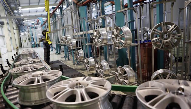 Imagen de archivo de las llantas en la fábrica de Mapsa.