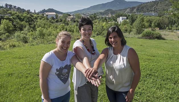 Rocío Berrendo Grimal, Maialen Zabalbescoa Koch y Marta Rodríguez Grimal, se han unido en la búsqueda de fondos o donaciones para paliar las enfermedades de sus hijos.