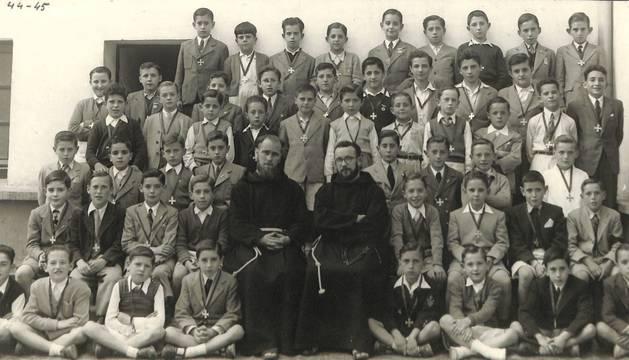 La Escolanía de San Antonio, en una imagen de 1942-43.