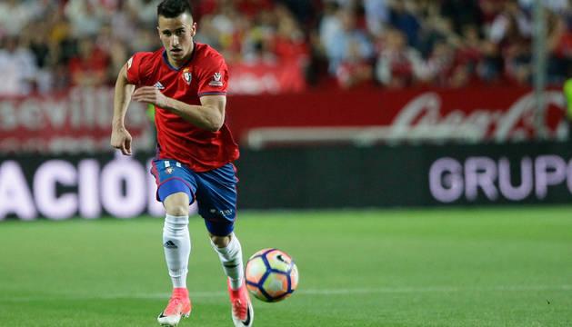 Álex Berenguer, el pasado sábado en el Sánchez Pizjuán, en el que pudo ser su último partido con la camiseta de Osasuna.