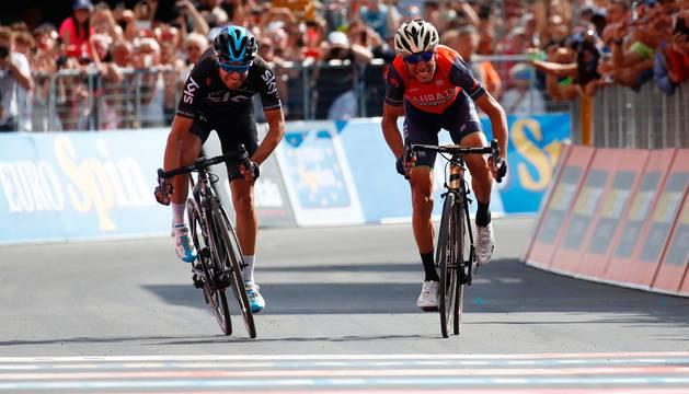 Mikel Landa y Vincenzo Nibali esprintan en Bormio.