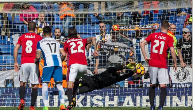 Sirigu detuvo un penalti contra el Espanyol esta misma temporada