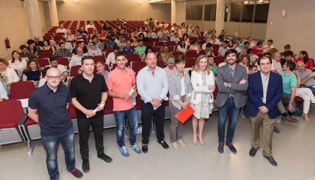Imagen de los ponentes en la presentación de las mesas de participación de la ECEI, ante los asistentes al acto.