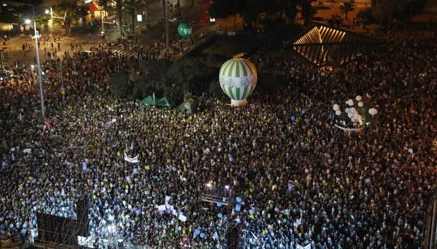 Vista aérea de la manifestación celebrada este sábado en Tel Aviv en protesta de los 50 años de ocupación.
