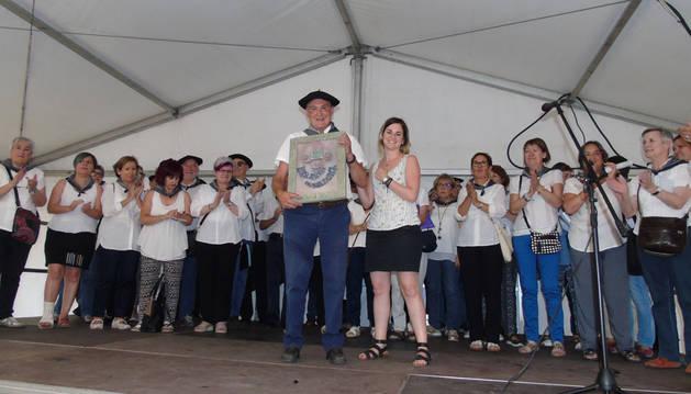 Las voces de Barañaingo Euskal Kantak protagonizaron una fiesta a altas temperaturas