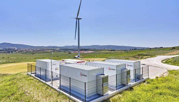foto de Planta de almacenamiento de eólica con baterías de Acciona en Barásoain.