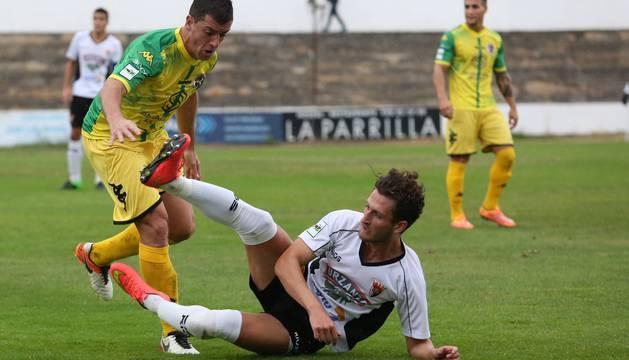 Álvaro Meseguer, en el suelo, fue el autor del gol nominado.