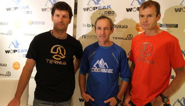 Juan Vallejo, Mikel Zabalza y Alberto Iñurrategi repiten cordada. En la foto, durante la presentación del reto en Bilbao.