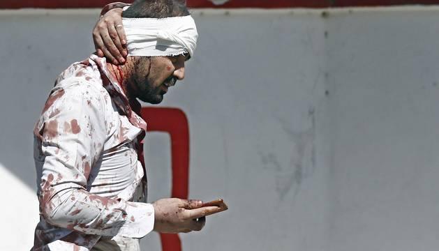 Al menos 90 personas han muerto y unas 380 han resultado heridas en el atentado suicida con camión bomba perpetrado a primera hora de este miércoles en la zona diplomática de la capital de Afganistán, Kabul.