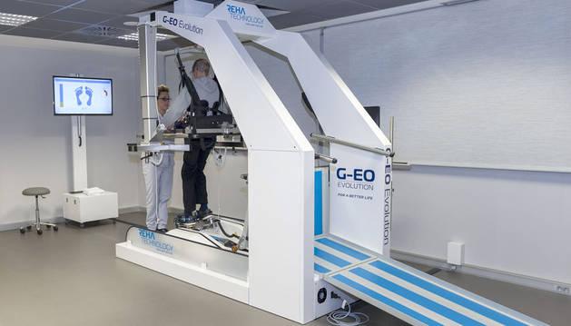 foto de robot de rehabilitación de la marcha del Centro Neurológico de Navarra
