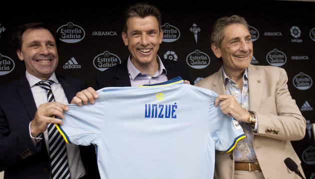 Juan Carlos Unzué en su presentación como nuevo técnico del Celta