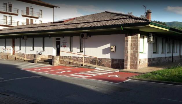Imagen del edificio del centro de salud de Santesteban.