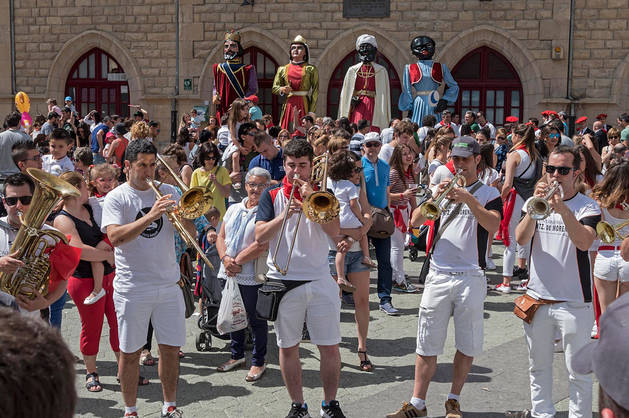 Imagen de un momento del día de la juventud de las fiestas de la Virgen del Puy celebradas la semana pasada.