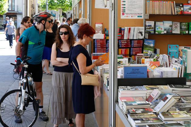 Una imagen de la Feria del Libro de este año en la Plaza del Castillo de Pamplona.