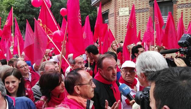Manifestación convocada por una iniciativa ciudadana con el lema 'Defendamos la bandera de Navarra, Gurea Defenda Dezagun'