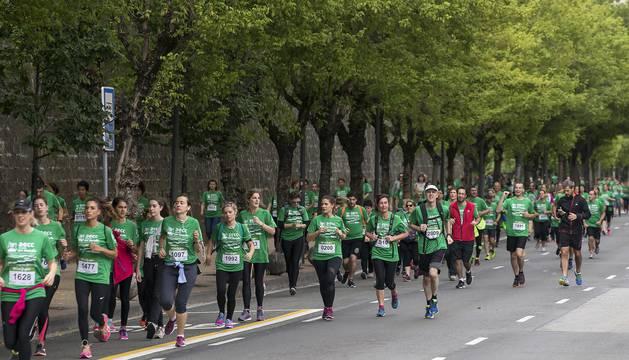 Marcha solidaria en Pamplona contra el cáncer
