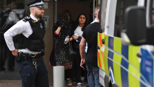 Una de las detenidas en el distrito de Barking, en Londres.