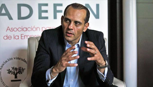 Juan Verde Suárez durante un momento de la entrevista.