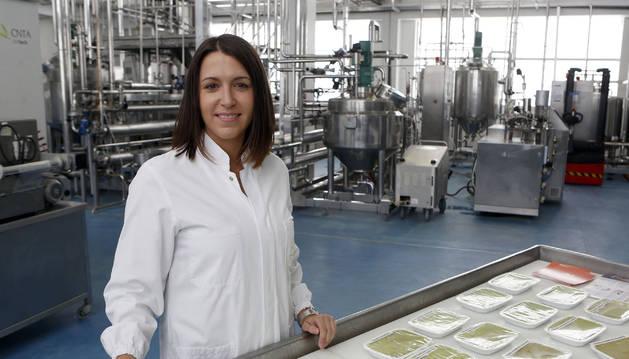 Leticia Ortiz Romero ayer, en el laboratorio del CNTA.