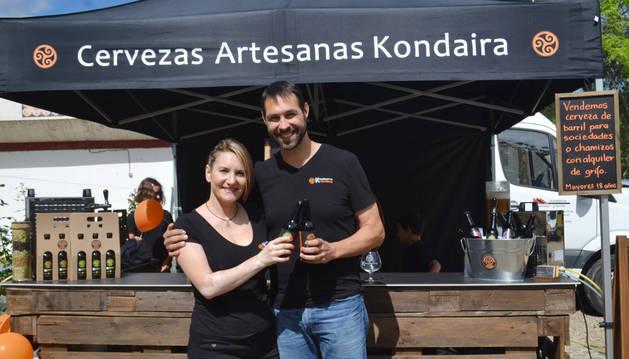 Foto de Aroa Martínez García y Sebastián Martínez Karczeweski, creadores de la nueva marca de cervezas.