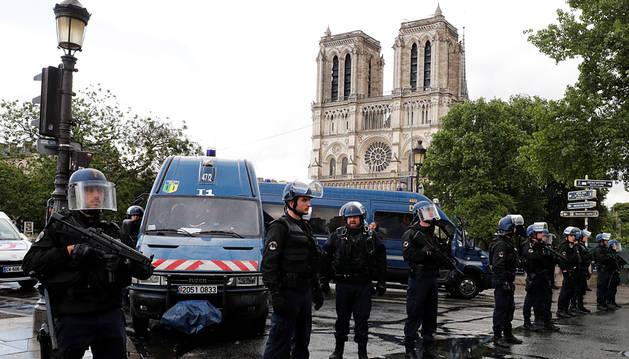 Turista española en Notre Dame:
