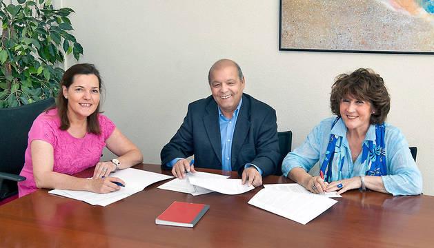 Gema Mañú, Badadi Mohamed-Moulud y María Rosario Pardo.
