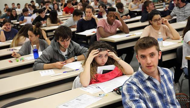 Examen de Selectividad en el campus de la UPNA de Tudela