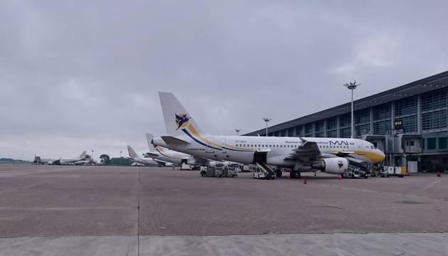 Exterior del aeropuerto internacional de Rangún, la principal ciudad de Birmania.