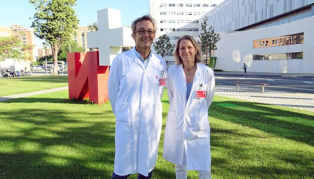 Íñigo Ruiz de Erenchun y María Uzcanga, especialistas de ORL del CHN.