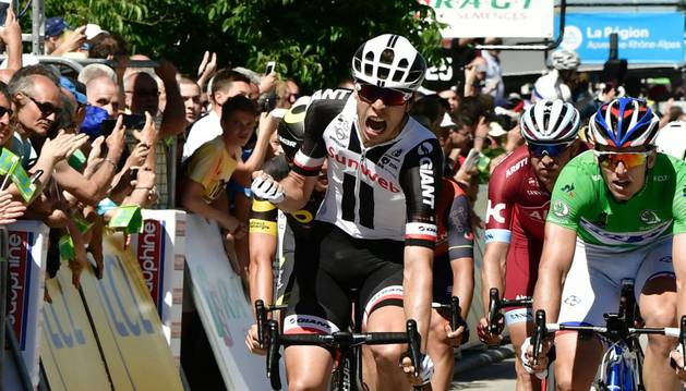 Bauhaus celebra su victoria en la quinta etapa del Dauphiné Liberé