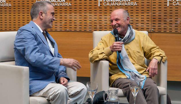 Juan José Aquerreta y Antonio López, durante el coloquio en Civican.