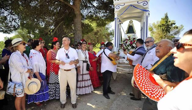 Fotos de la romería en honor a la Virgen del Rocío en Rada 2017